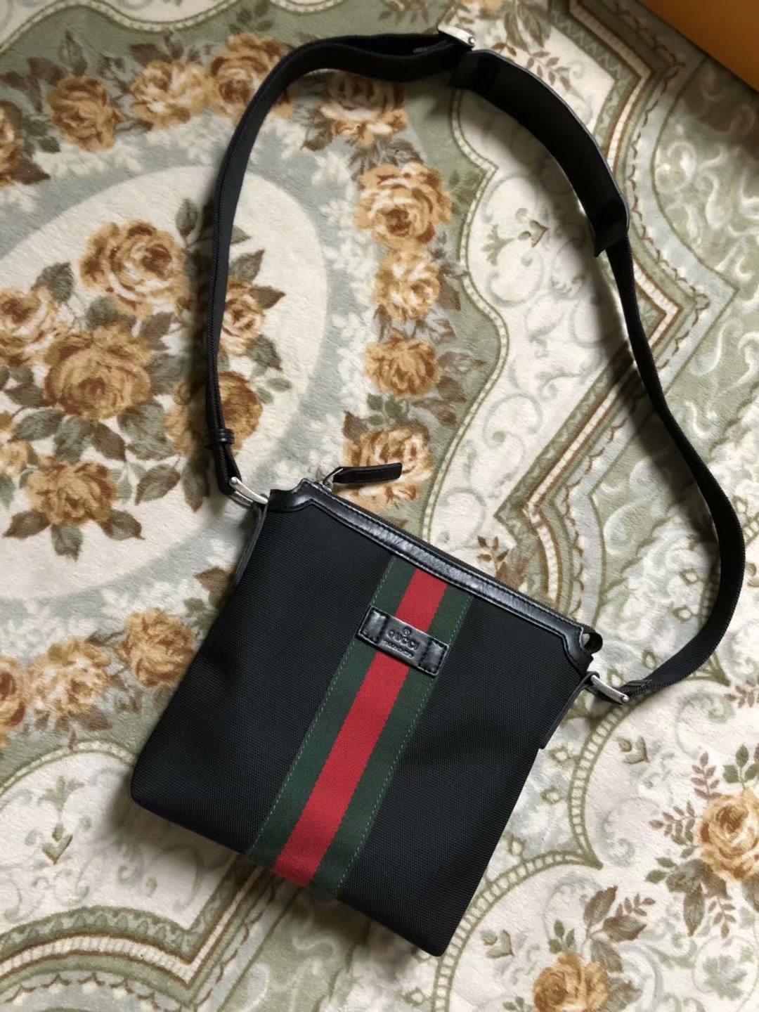 AAA Gucci 387111 Web GG Supreme Men Messenger Bag Black